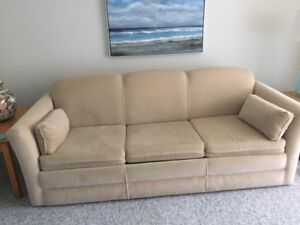 Bed Chesterfield FREE