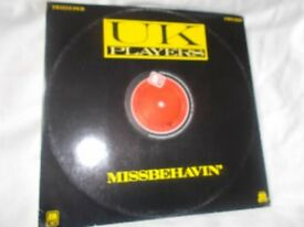 Vinyl 12in 45 Missbehavin' / Can't Shake Your Love – U K Players A&M AMSX 8238 Stereo 1982