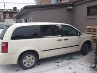 Dodge Caravan SE with One Year old set of winter tires