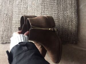 Cute leather brown booties worn once