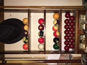 "9 X 5 -1 1/2"" Slate Pool Table with rack, cues, balls and light Peterborough Peterborough Area image 5"