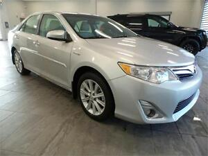 2014 Toyota Camry Hybrid LE **FINANCING AVAILABLE**