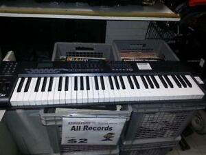 Axiom MIDI Keyboard. We sell used musical instruments. (#41318)