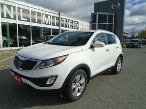 2011 Kia Sportage **LOADED!! HEATED SEATS & BACKUP SENSORS!** EX