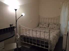 Elegant double room. Old town Bexhill. Professionals only.