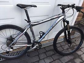 TREK Mountain Bike ZR9000 Series 8