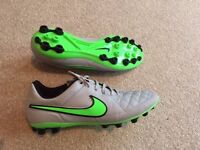 Nike Tempo Football Boots Size 9