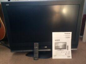 Panasonic Viera 32in TV c/w remote & manual