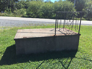 FREE CEMENT STEP WITH IRON  RAILING