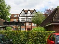 2 double bedroom apartment with huge communal gardens 1 minute walk from Streatham Hill station