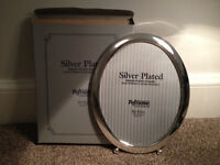Silver Oval Photo Frame 8 x 10 inches (BRAND NEW IN BOX) unwanted gift (Collection EH11)