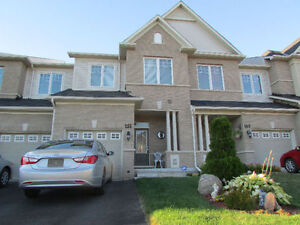 Stunning 3-Bdrm Home In Highly Desirable Newer Newmarket!