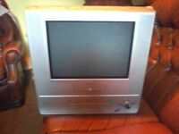 SAMSUNG 17'' pure flat combi with vcr and dvd BOX SHAPE TV