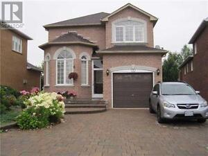 112 Holly Dr Richmond Hill Ontario Great house for sale!