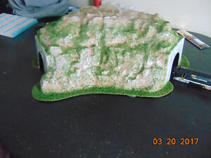 New...Ho model train curved tunnel