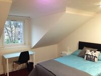 Double Room in townhouse on Bank Street, West End