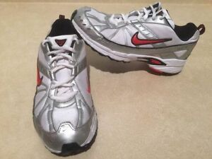 Youth Nike Dart VI Running Shoes Size 6 Y London Ontario image 2