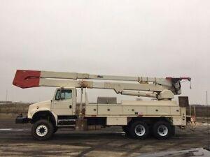 2000 Freightliner FL80 6x6 Bucket Truck