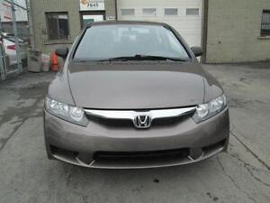 2006 Honda Civic, Toit ouvrant, super propre, economique