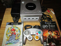 ***NINTENDO SILVER GAMECUBE WITH ALL WIRES+2 GAMES!!!***