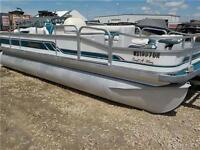 1994 PREMIER CASTAWAY PONTOON WITH A 2007 50HP MERC ONLY 6999!