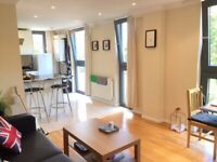 Lovely spacious 1 double bed New build with lift - 5 mins walk Kings X Station!!!