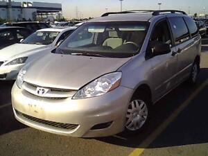 2010 Toyota Sienna CE w/DVD