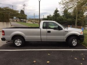 2007 Ford F-150 XL Pickup Truck - *** VERY LOW KMS ***
