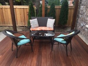 Great  Outdoor Patio Set with Table