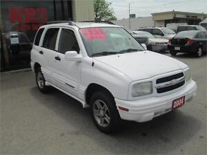 2004 CHEVROLET TRACKER ! 4X4 ! HARD TO FIND ! LIKE NEW !