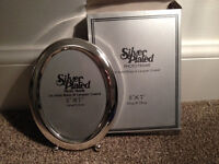 Silver Oval Photo Frame 5 x 7 inches (BRAND NEW IN BOX) unwanted gift
