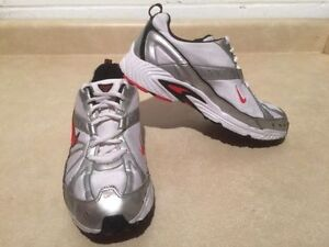 Youth Nike Dart VI Running Shoes Size 6 Y London Ontario image 3