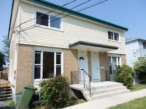 15-094 Well Kept Semi- Detached Dartmouth     No Pets