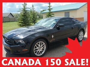 2013 Ford Mustang Coupe  w/only 33,000 kms!