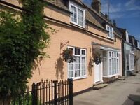 Double room to rent in a 5 bedroom cottage in Main Street, Yaxley - family house share - £80 p/w