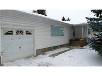 NEW LISTING! 5 BEDROOM BUNGALOW GREAT FOR FIRST TIME HOME BUYERS