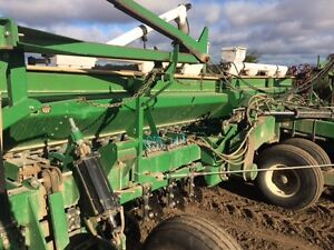 1997 Great Plains 3010NT Solid Stand 30 Foot Drill London Ontario image 7