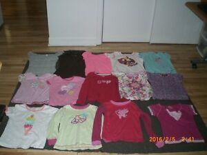 Lot de 42 blouses divers pour fille de 5 et 6 ans