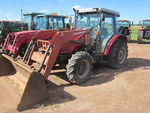 USED 1997 Massey Ferguson 4225 Tractor W/ Loader and factory Cab