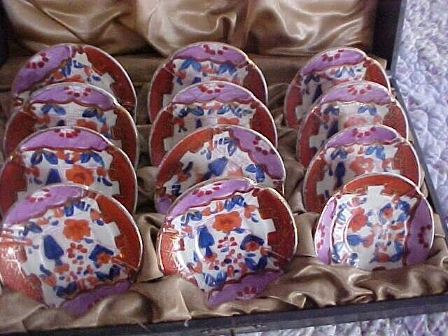 VINTAGE CASED 12  IMARI BUTTER PATS, ORIENTAL JAPAN IN RED AND COBALT