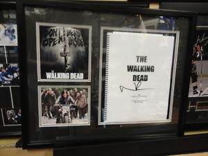 WALKING DEAD NORMAN REEDUS (DARRYL) SIGNED SCRIPT JSA AUTHENTIC