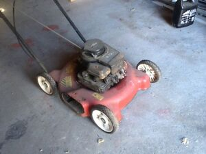 Gas powered lawnmower