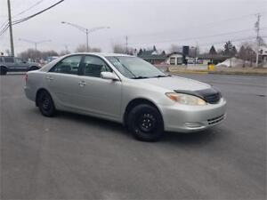 TOYOTA CAMRY LE 2003 - FULL/TRÈS PROPRE