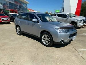 2013 Mitsubishi Outlander ZJ MY14 ES 2WD Silver 6 Speed Constant Variable Wagon Hoppers Crossing Wyndham Area Preview