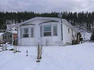 Beautiful/Well Maintained MH in Quiet Barriere Park