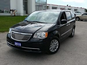 2015 Chrysler Town & Country Touring w/Leather