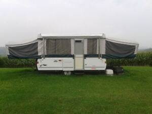 2003 Coleman Deluxe Tent Trailer
