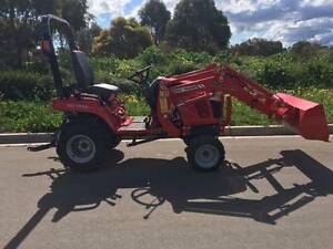 NEW MASSEY FERGUSON 1705 COMPACT TRACTOR WITH F.E.L. STD BUCKET Aldinga Morphett Vale Area Preview
