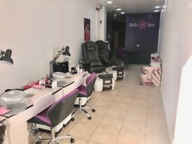 BEAUTICIAN WANTED!!!