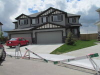 A BEAUTIFUL HOME WITH 3 BEDROOM ON BAYWATER CRESCENT, AIRDRIE.
